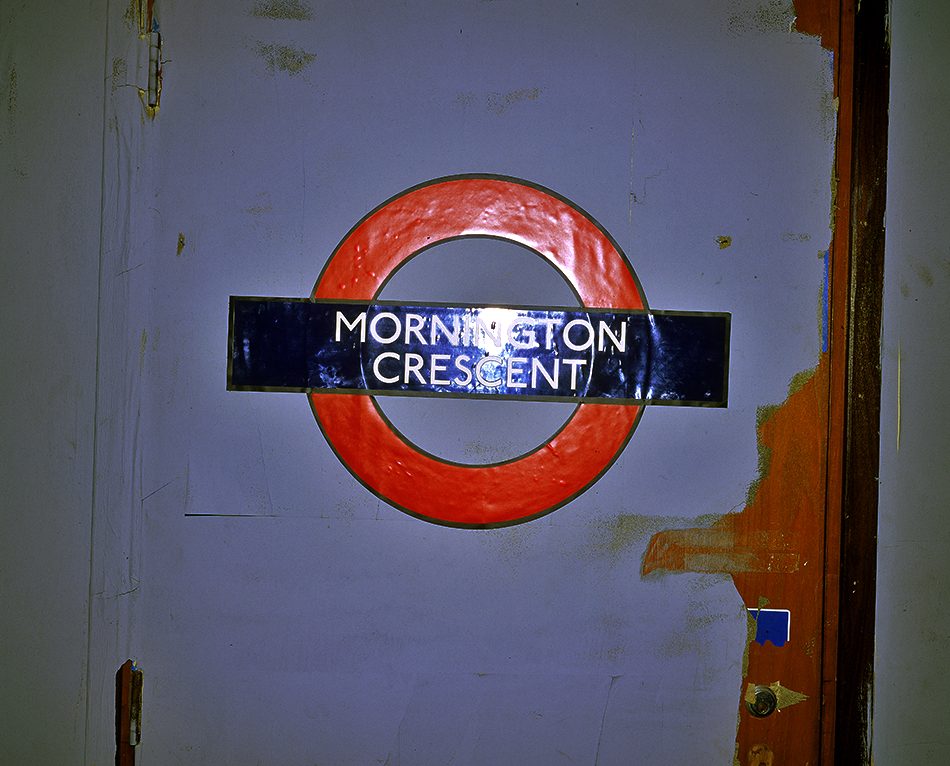 6 MORNINGTON_CRESCENT_SIGN
